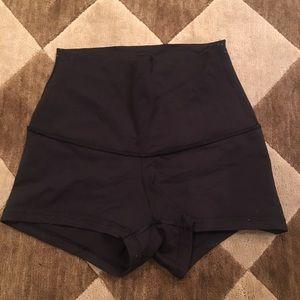 Lululemon high waisted black booty shorts